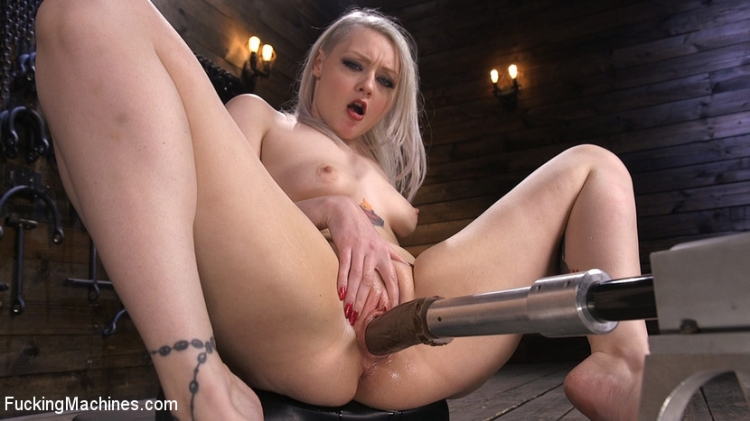 Blonde Alt Babe Squirts From the Machines